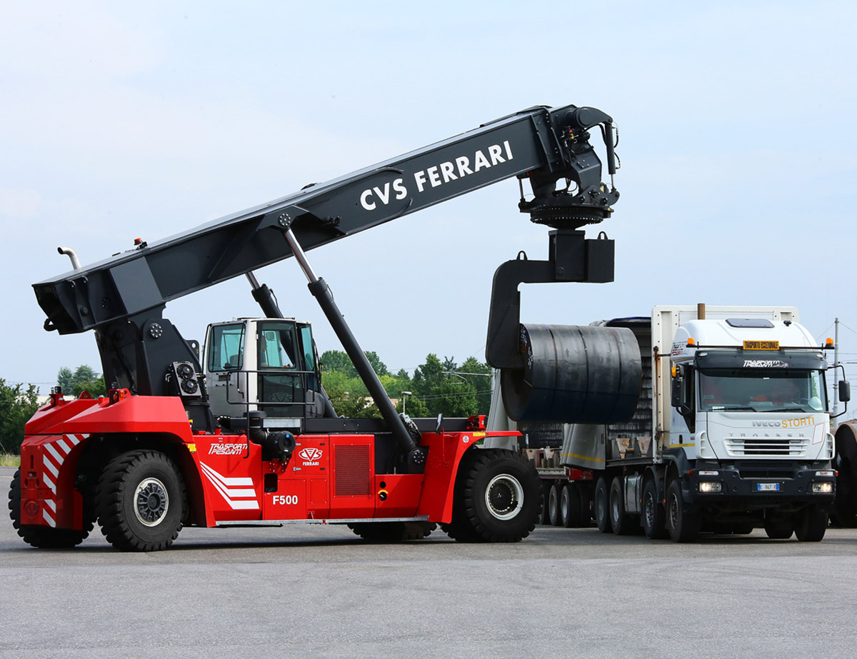 psa vecon takes delivery of two new cvs ferrari reach stackers